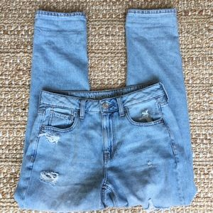 AE American Eagle Destroyed Hi-Rise Tomgirl Jeans